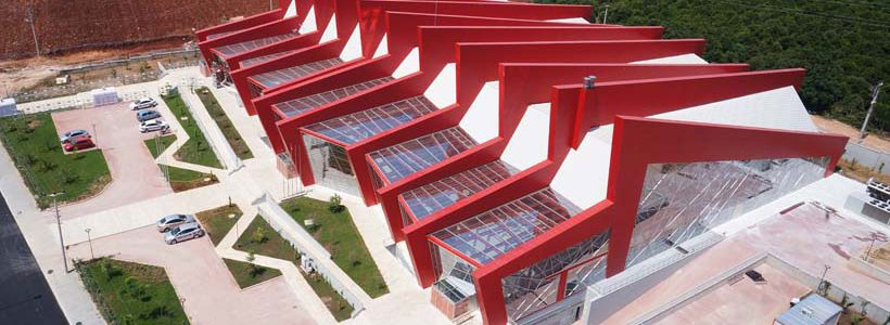 Konstrukcja fasady z HPL